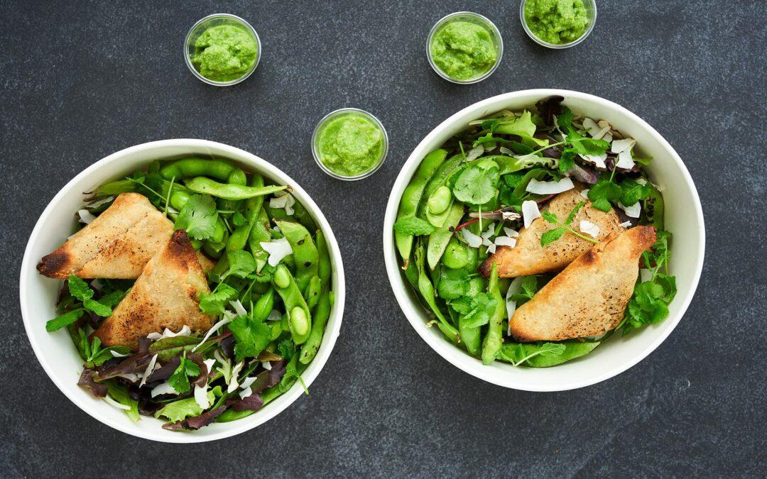Samosas med Edamamebønner og indisk grøn chutney