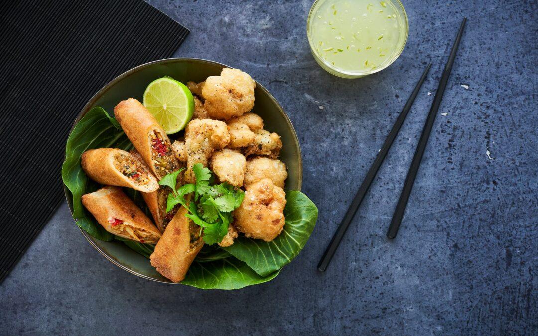 Spring Rolls Green Curry med deep fried blomkål og sweet limesauce