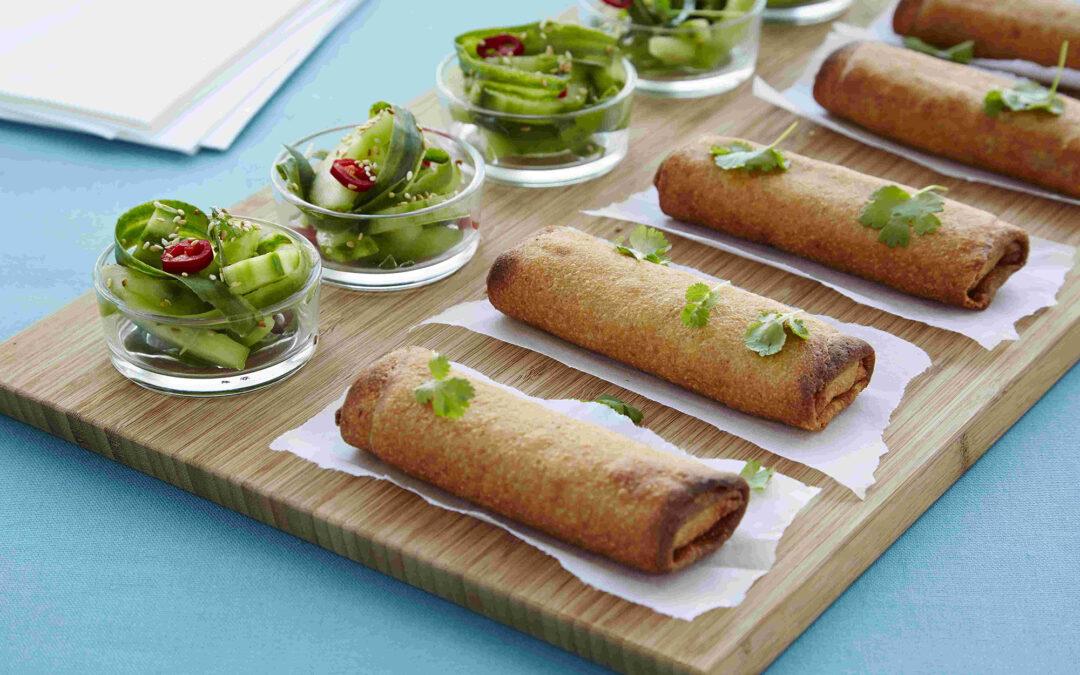 Spring Rolls med oksekød med asiatisk agurkesalat