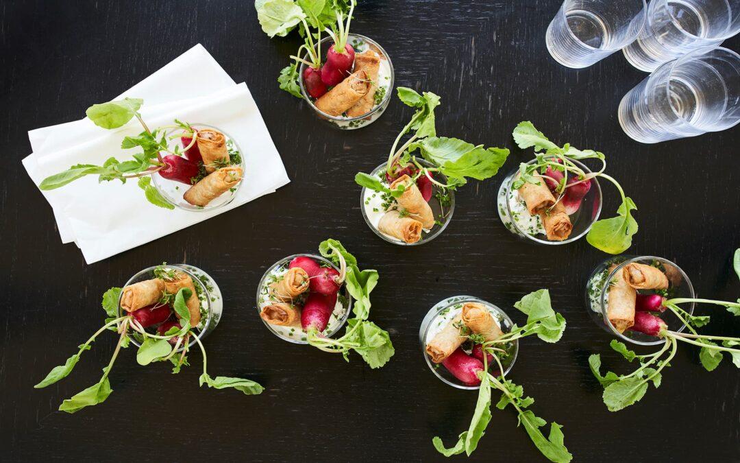 Van Choy Mini forårsruller med oksekød, hele radiser og skyr dip